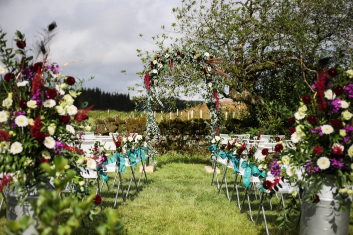 Northumberland-Wedding-Venue-Comb-Grounds-Aisle