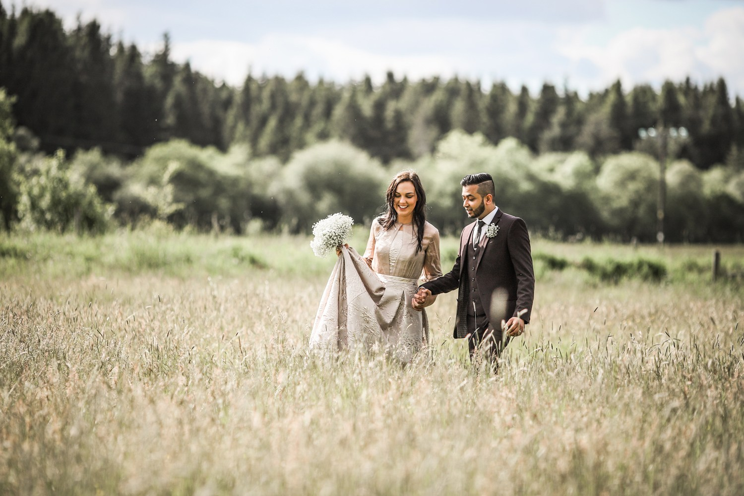 Northumberland-Wedding-Venue-Couple-Grounds